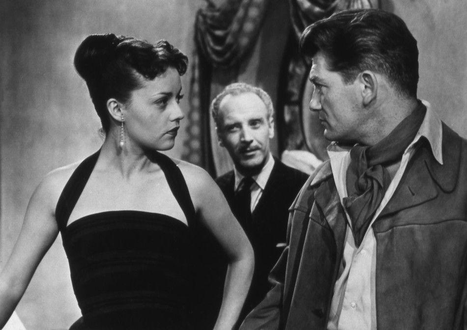 Du musst dich endlich entscheiden! Rosie (Jeanne Moreau) stellt André (Jean Marais, r.) zur Rede