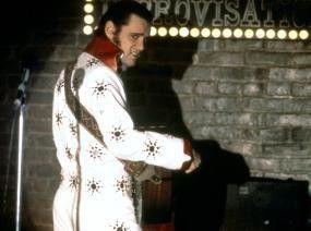 Endlich im Rampenlicht! Andy  Kaufman  (Jim Carrey) als perfekter Elvis