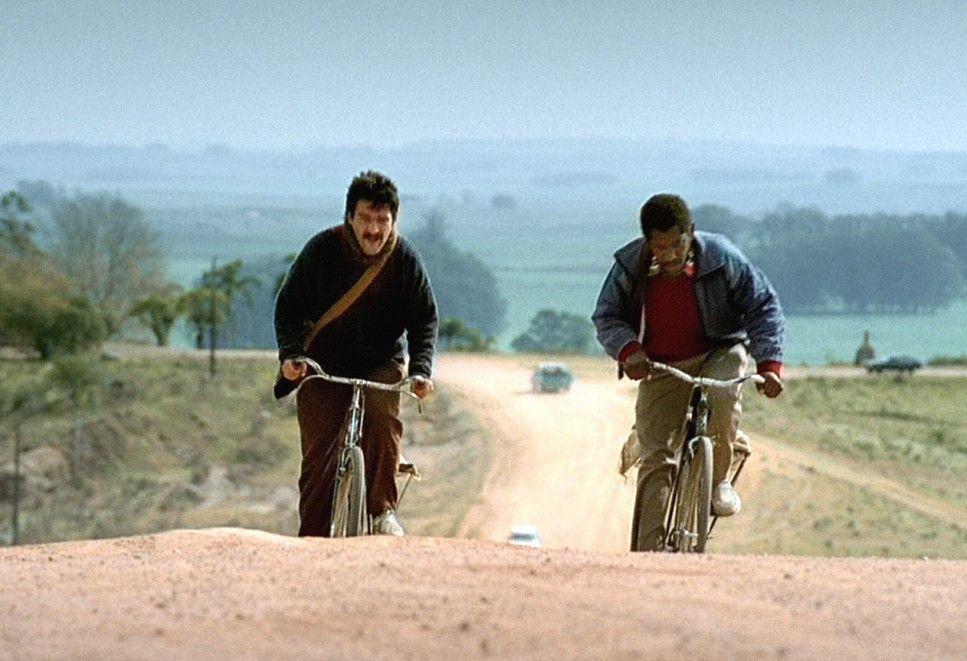Kein leichter Job - strapaziöse Schmuggeltouren auf dem Fahrrad