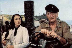 Ob es gleich wieder Ärger gibt? John Wayne und Elizabeth Allen