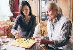 Alte Menschen brauchen Zuwendung: Jule Ronstedt (l.) und Erni Mangold