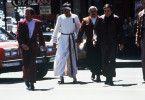 Zurück in der Gegenwart: Kirk (William Shatner), Spock (Leonard Nimoy), Scott (James Doohan) und Chekov (Walter König, v.l.n.r.)