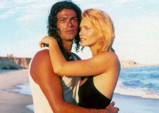 Donna (Natasha Henstridge) hat sich in den Fischer No (Eduardo Moscovis) verliebt