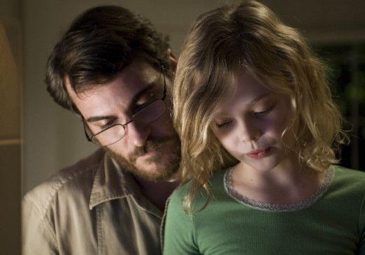 Der Vater erklärt den Verlust des Sohnes: Joaquin Phoenix und Elle Fanning