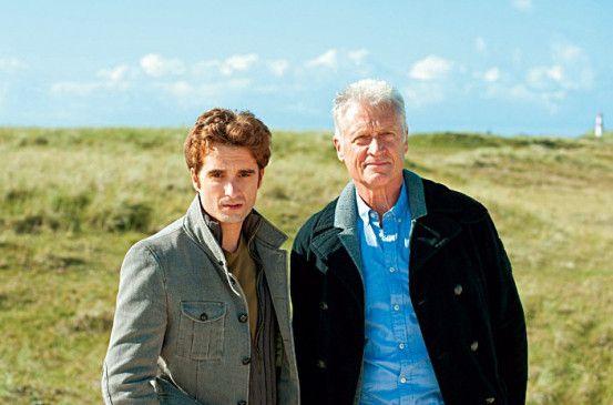 Reif für die Insel: Oliver K. Wnuk (l.) und Robert Atzorn