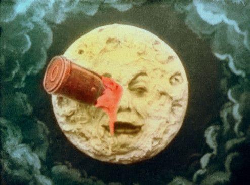 Dem Mond scheint der Besuch nicht zu schmecken ...