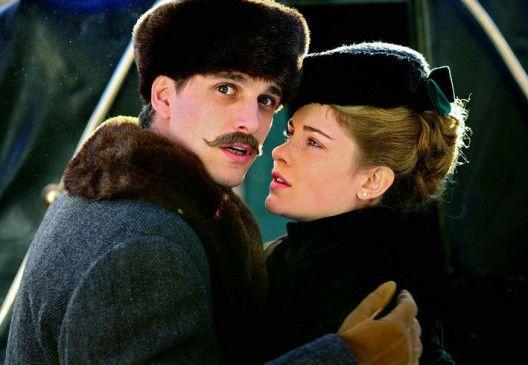 Du wirst meine Frau sein! Kann Max von Thun (Foto mit Vittoria Puccini) sein Versprechen halten?