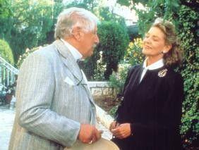Wo ist denn nun die Leiche? Peter Ustinov befragt  Lauren Bacall