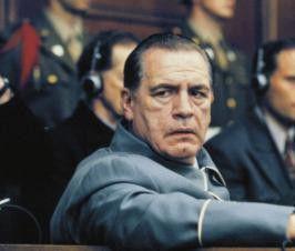 Ich bin doch kein Verbrecher! Brian Cox als  Hermann Göring
