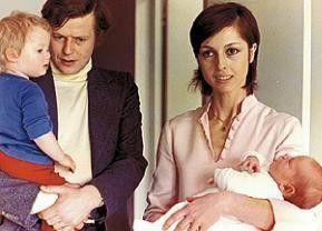 Also eigentlich bin ich ja glücklich! Frédéric (Bernard Verley) mit Kind und Kegel
