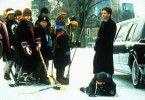 Ich bin sicher, ihr könnt kein Eishockey spielen!  Emilio Estevez (r.) und sein Jugend-Team