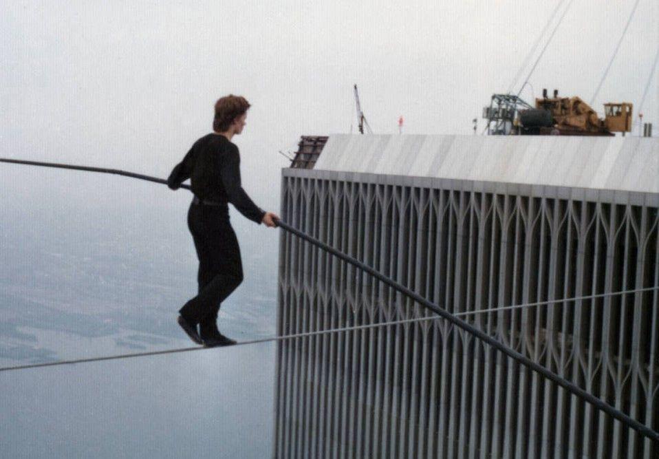 In luftigen Höhen: Philippe Petit zwischen den Twin Towers