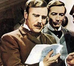 Hören Sie, Holmes? Donald Houston (l.) und John Neville