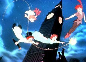 """Up, up and away"" Peter Pan im nächtlichen London"