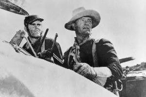 Sehen ihre Chancen schwinden - Henry Fonda (l.) und John Wayne