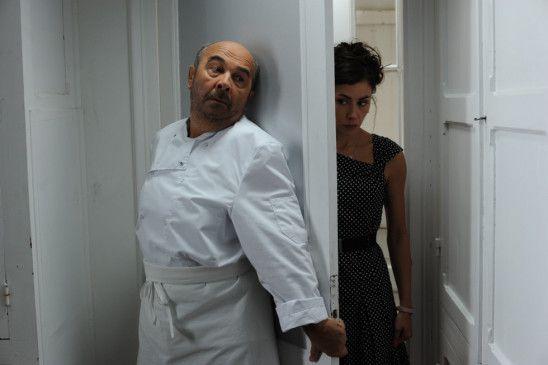 Will sich verstecken: Gérard Jugnot mit Olivia Ruiz