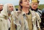 Keine Angst, Excalibur wird uns leiten! Sam Neill (M.) und Rutger Hauer (r.)