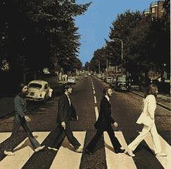 Wohl eines der berühmtesten Schallplattencover: die  Beatles auf dem Zebrastreifen der Abbey Road