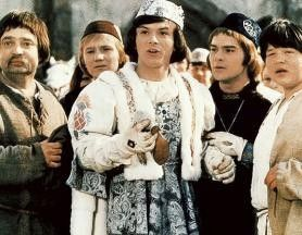 Wo ist die Prinzessin? Pavel Trávnícek (M.) auf der Suche