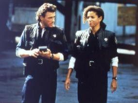 Jean-Claude Van Damme und Gloria Reuben jagen einen  Präsidentschaftskandidaten