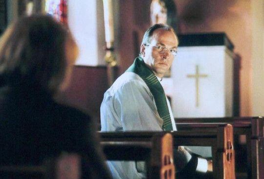 Pfarrer Daniel (Herbert Knaup) fühlt sich nicht wohl in seiner Haut
