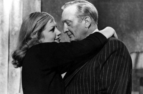 Der brave Kraftfahrer Heinrich (Hans Albers) lässt sich von der kriminellen Inge (Hildegard Knef) umgarnen