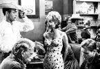 Noch scheint die Welt von Hud (Paul Newman, l.) in bester Ordnung