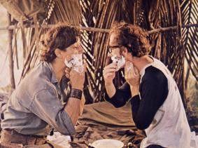 Also gestern sah mein Spiegelbild noch anders aus! Woody Allen (r.) im Guerilla-Lager