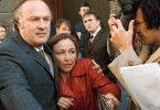 Héloise (Catherine Frot) wird von Reportern belagert