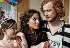 Familienleben ist doch möglich! Jarle (Rolf Kristian Larsen) findet nicht nur Gefallen an seiner Tochter Charlotte (Amina Eleonora Bergrem, l.)