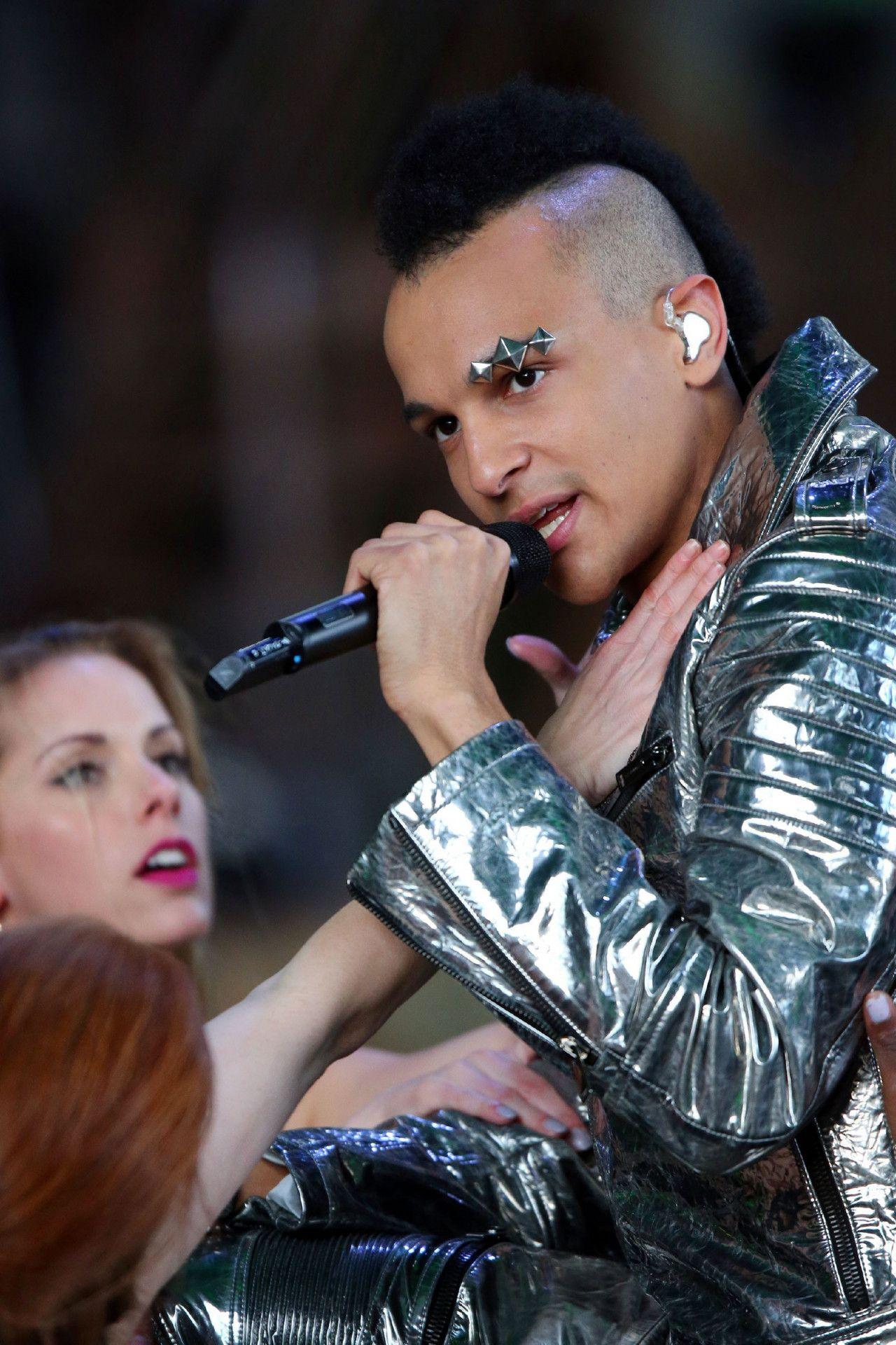 """Prince Damien singt """"Unter meiner Haut"""" von Gestört aber GeiL & Koby Funk feat. Wincent Weiss."""
