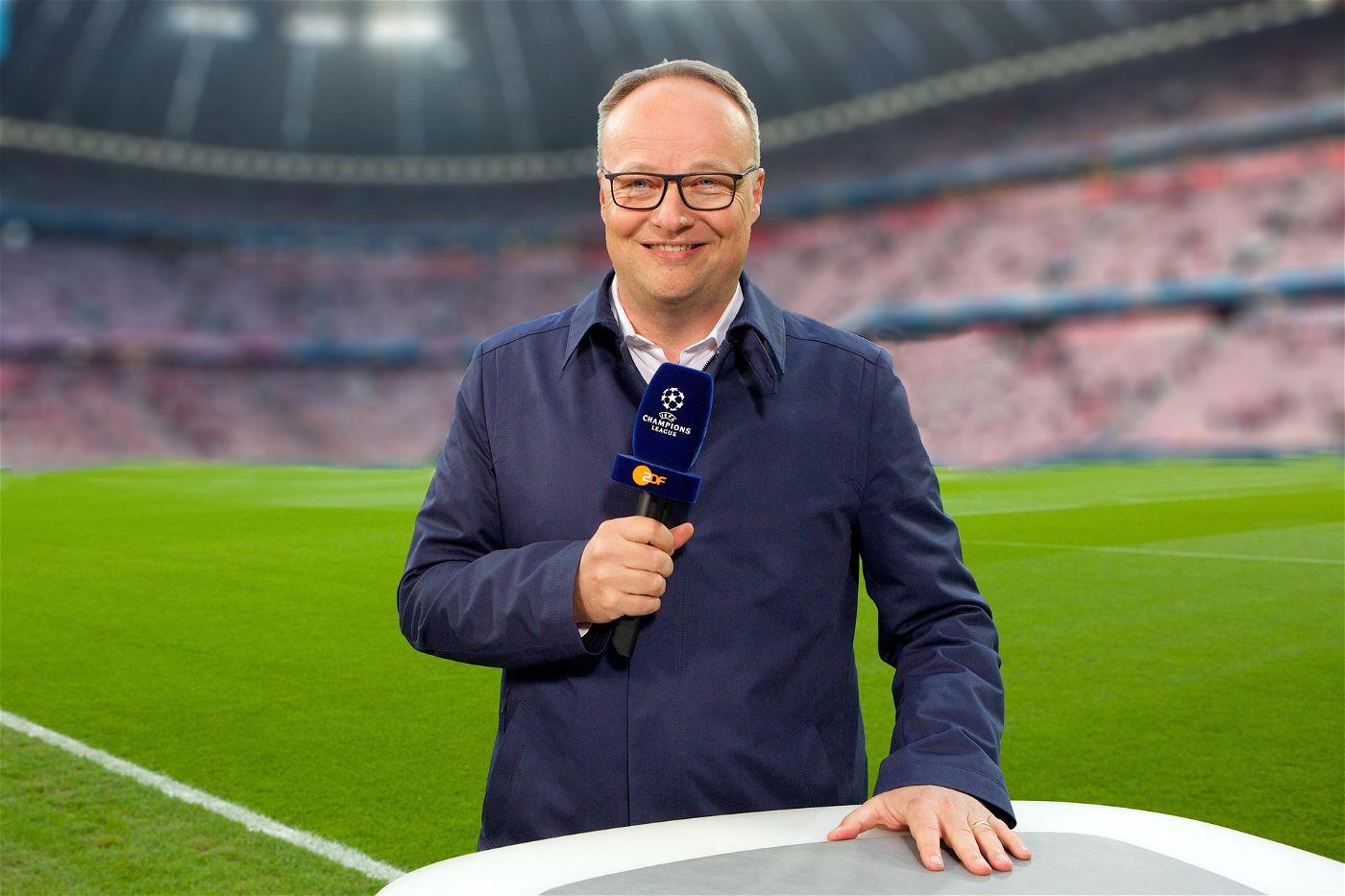 Beim ZDF begrüßt Oliver Welke die TV-Zuschauer vor den Spielen.