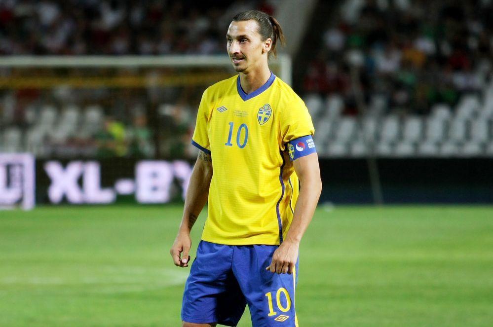 """<p><b>Name</b>: Zlatan Ibrahimovic</p> <p><b>Nationalmannschaft</b>: Schweden</p> <p><a href=""""http://www.prisma.de/tv-programm/sport/em2016/"""">Die EM 2016 live im TV erleben: Hier geht's zur &Uuml;bersichtsseite mit allen Infos und Fakten.</a></p>"""