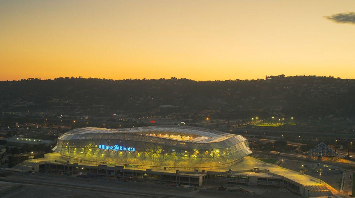 Das Stade de Nice in Nizza. <br> Kapazität: 35.624 - drei Vorrundespiele und ein Achtelfinale gehen hier über die Bühne.