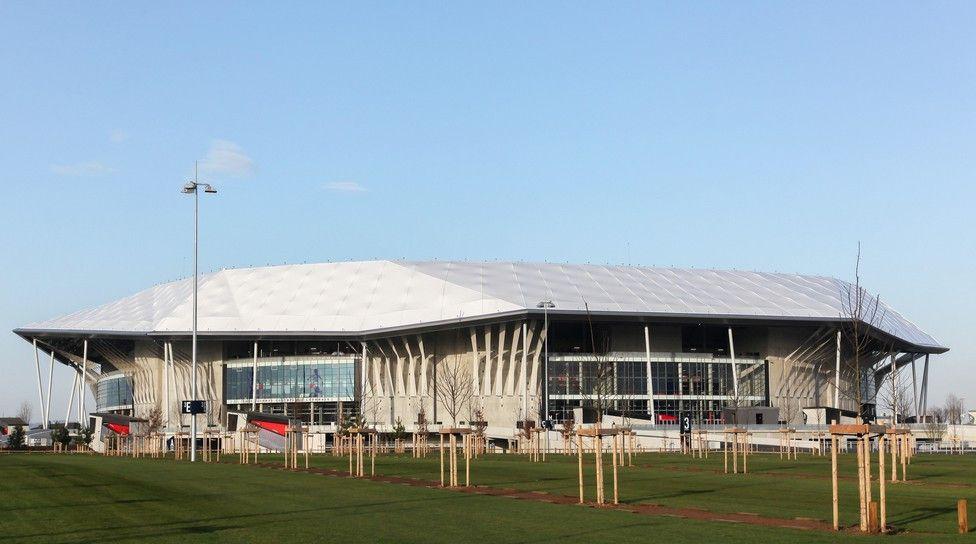 Das Stade de Lyon in Décines-Charpieu (Lyon). <br> Kapazität: 58.927 - vier Vorrundenspiele, ein Achtel- und ein Halbfinale finden hier statt.