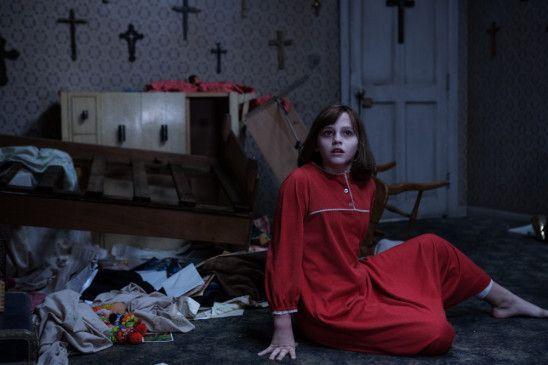 Die Dämonologen Lorraine und Ed Warren unterstützen im Norden von London eine alleinerziehende Mutter, als diese mit ihren vier Kindern in ihrem Haus von heimtückischen Geistern geplagt wird.