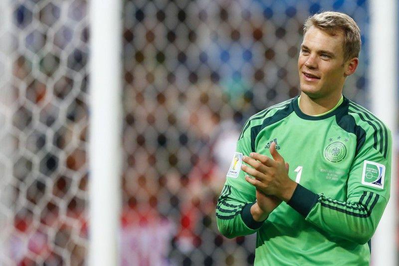 <b>Rückennummer:</b> 1 <br> <b>Position:</b> Tor <br> <b>Name:</b> Manuel Neuer <br> <b>Verein:</b> FC Bayern München