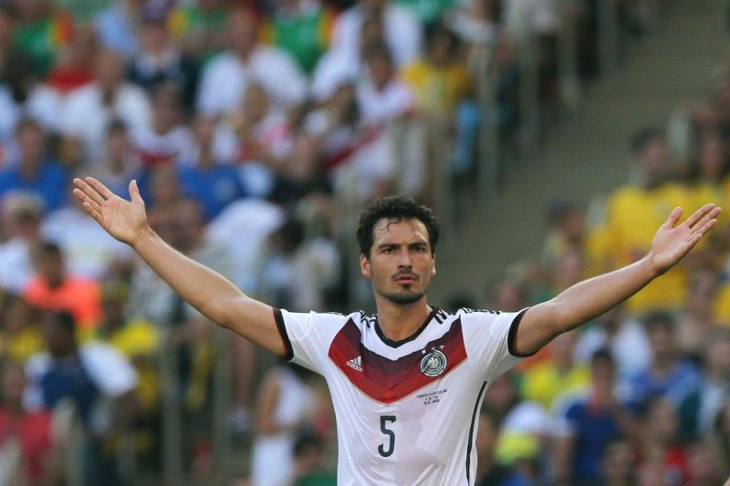 <b>Rückennummer:</b> 5 <br> <b>Position:</b> Abwehr <br> <b>Name:</b> Mats Hummels <br> <b>Verein:</b> Borussia Dortmund