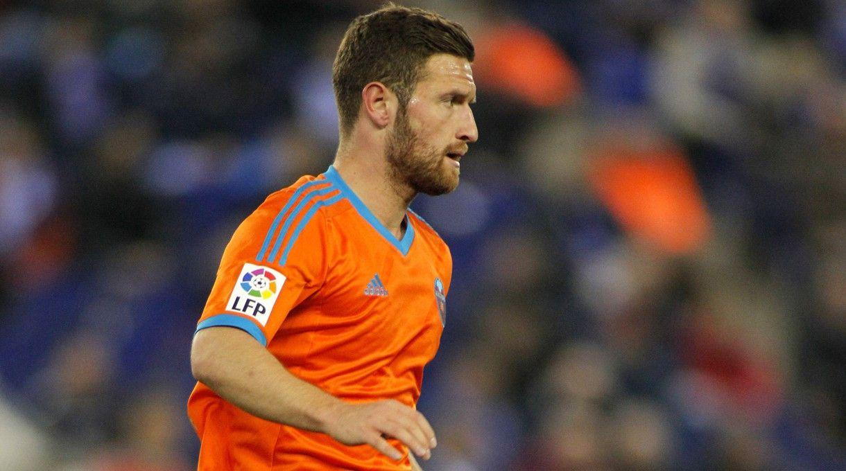<b>Rückennummer:</b> 2 <br> <b>Position:</b> Abwehr <br> <b>Name:</b> Shkodran Mustafi <br> <b>Verein:</b> FC Valencia