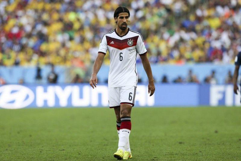 <b>Rückennummer:</b> 6 <br> <b>Position:</b> Mittelfeld <br> <b>Name:</b> Sami Khedira <br> <b>Verein:</b> Juventus Turin