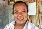 Die 55-jährige Meisterin Nhong Na Nakhon betreibt eine Massagepraxis, in der sie auch medizinische Probleme therapiert.