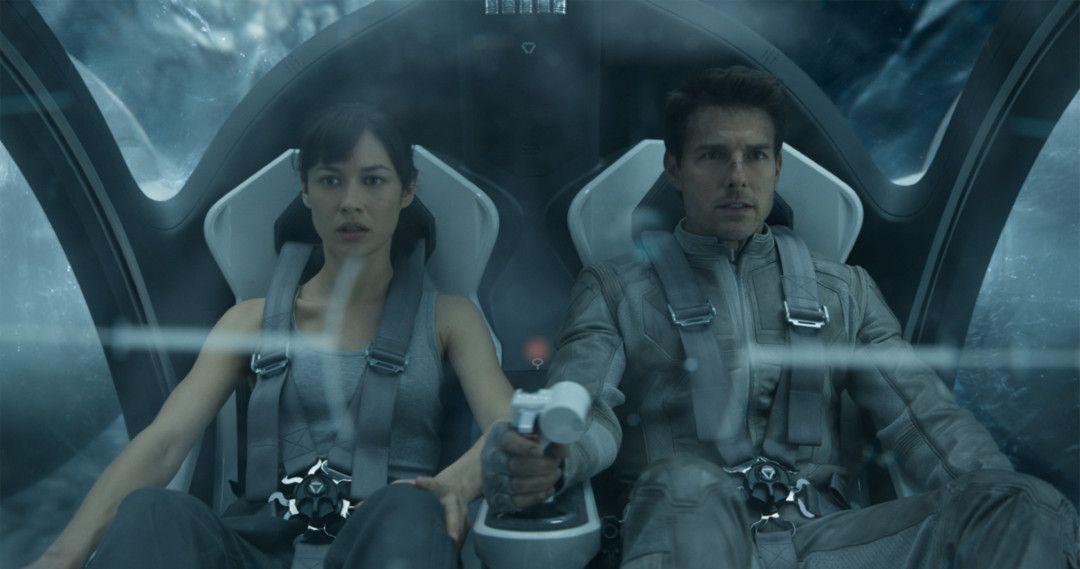 Shown from left: Julia  (Olga Kurylenko), Jack (Tom Cruise)