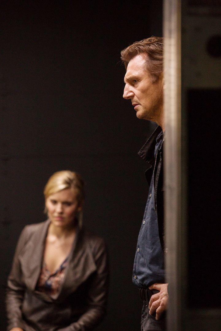 Ein grausamer Schicksalsschlag wirft Bryan (Liam Neeson) völlig aus der Bahn. Kim (Maggie Grace) ist das Einzige, was ihm noch geblieben ist.