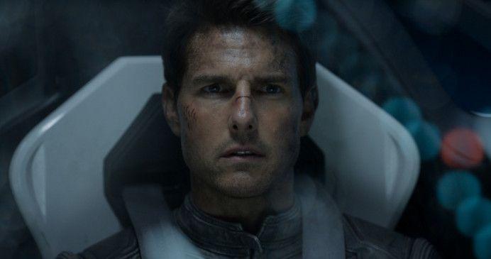 Jack (Tom Cruise)