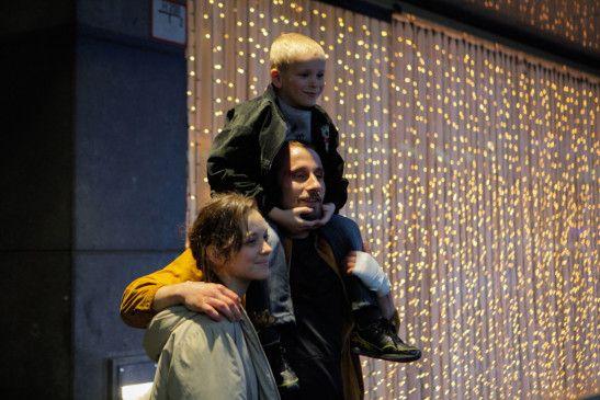Marion Cotillard (Stéphanie), Matthias Schoenaerts (Ali), Armand Verdure (Sam).