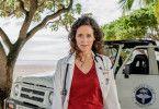 Dr. Filipa Wagner (Anja Knauer) kehrt nach Mauritius zurück, um ihre Arbeit im Beachressort und als ehrenamtliche Inselärztin fortzusetzen.