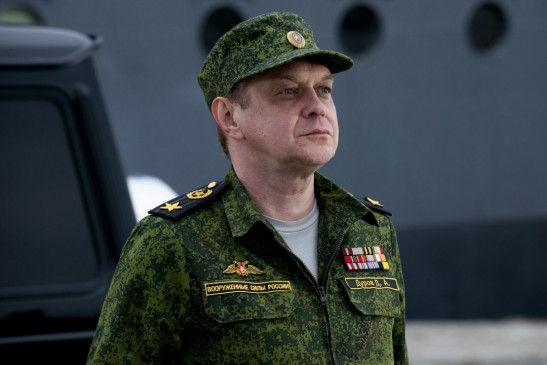 Der russische Verteidigungsminister Admiral Dmitri Durov (Mikhail Gorevoy) will sich an die Macht putschen und einen Krieg gegen die USA initiieren.