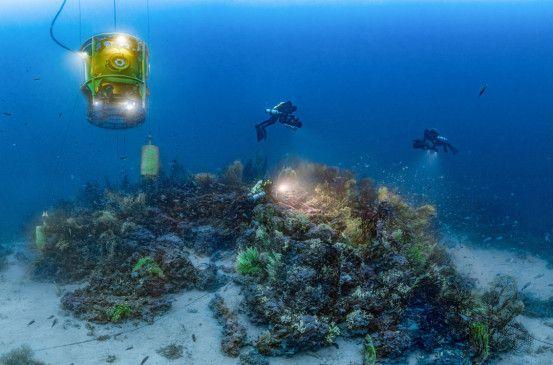 Das Mittelmeer galt lange als Meer ohne Geheimnisse, da es seit Jahrtausenden von den Menschen bereist wird. In Wirklichkeit verbergen sich tief unter seiner Oberfläche ausgedehnte, noch nie gesichtete Unterwassergebiete.