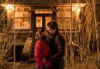 Theo (Leonard Scheicher) und Lena (Lena Klenke) sind ineinander verliebt.