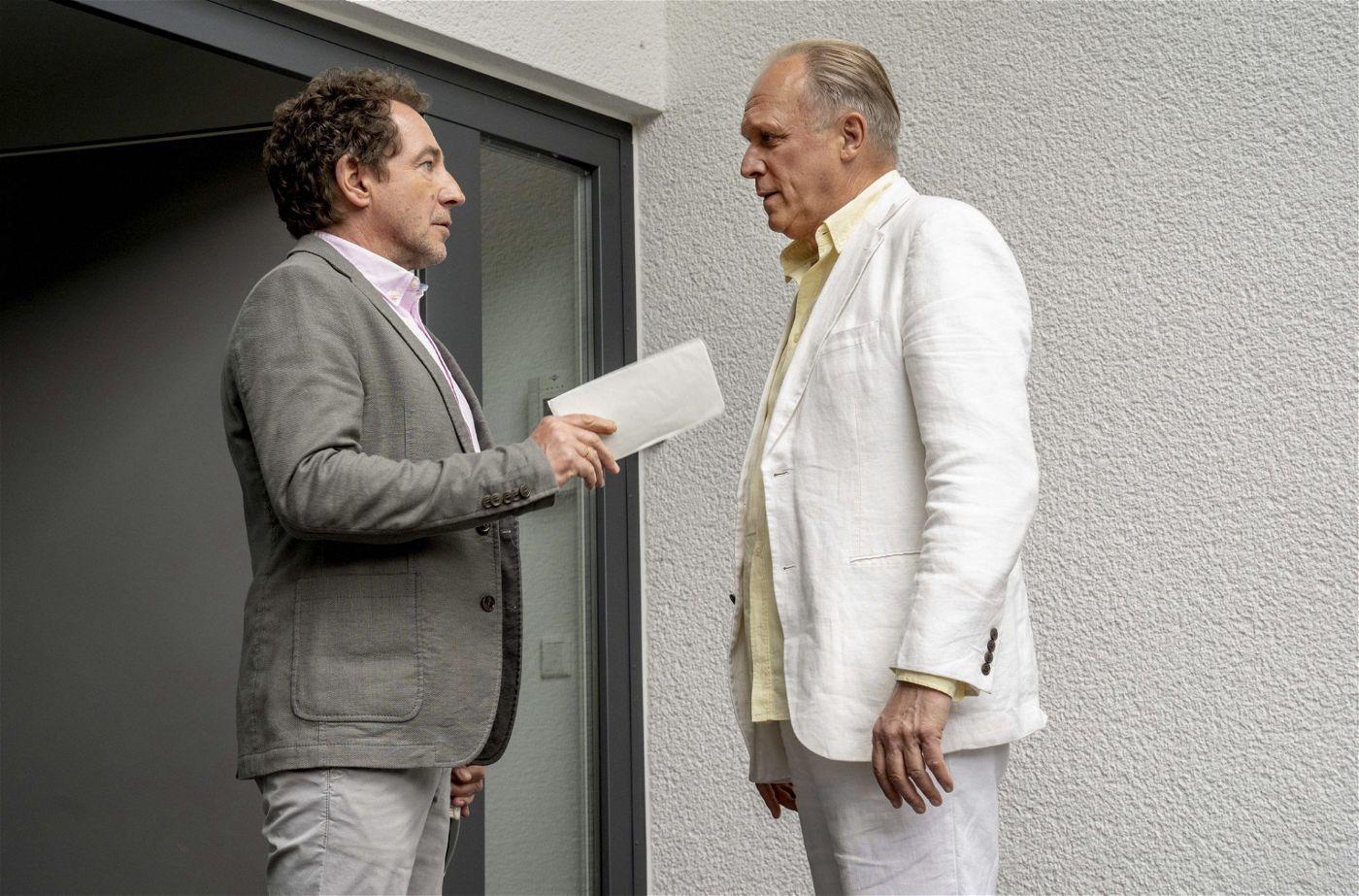 Thorsten Merten (Peter Lessing), Ulrich Tukur (Felix Murot/Walter Boenfeld).